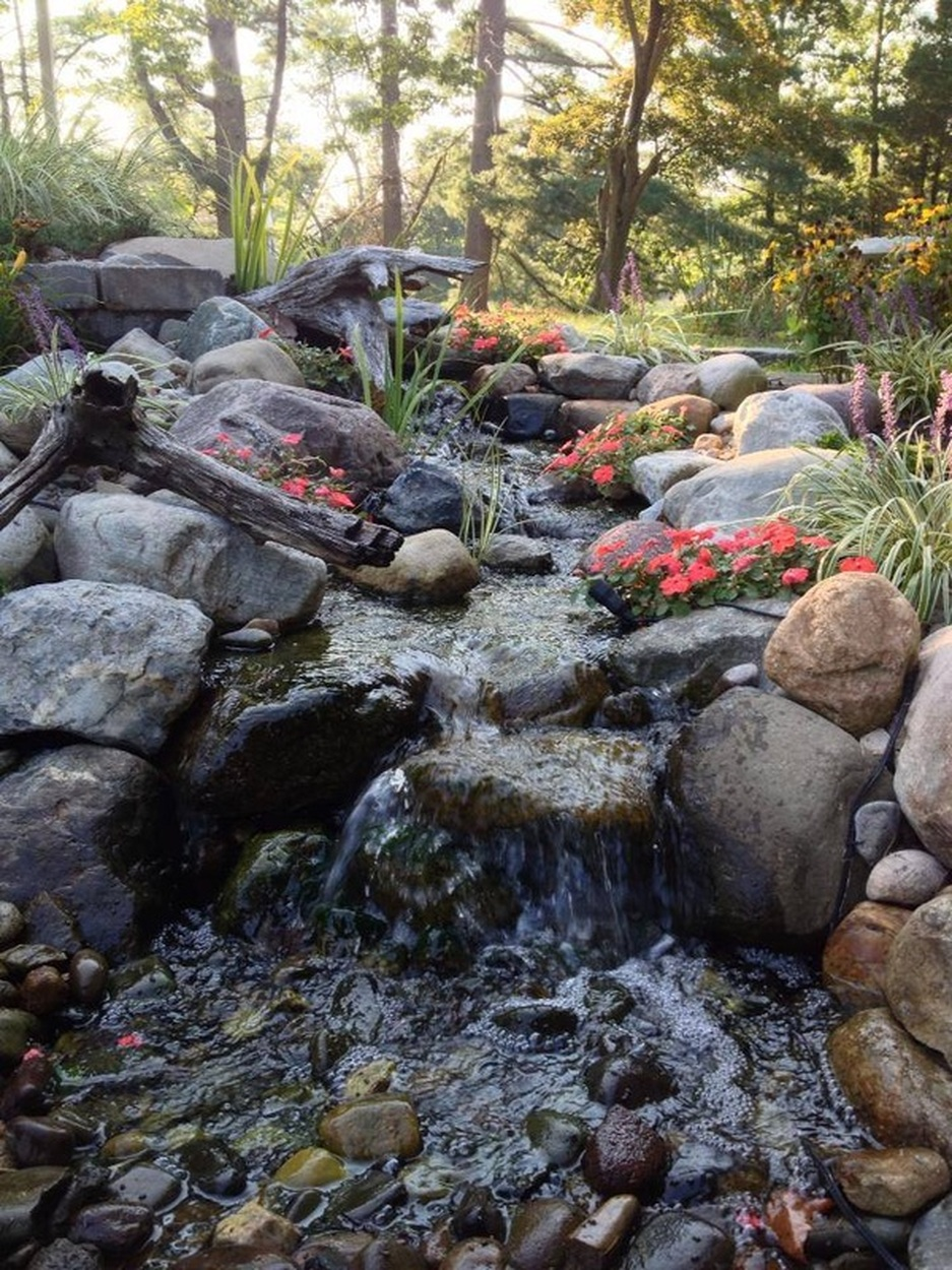 Pondless Waterfall by Landvista Aquascapes